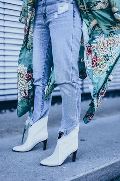 9521cb986d00 Frühlingsoutfit mit Kimono, how to wear, Chloe Kole Boots, Nina Ricci  Vintage Tasche
