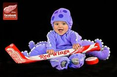 The Red Wings + cute baby in an Al the Octopus costume = awesome. Baby Shower Pictures, Cute Baby Pictures, Cute Images, Senior Pictures, Cute Kids, Cute Babies, Baby Kids, Detroit Red Wings, Hockey Mom