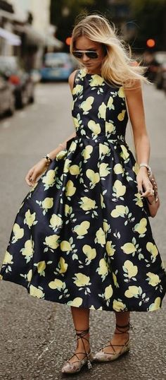 #summer #feminine #outfits | Lemon Print Midi Dress