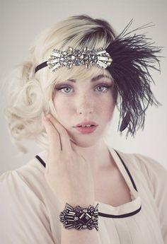 Flapper girl head piece and bracelet. Such fun accessories!