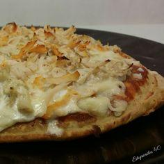 Pizza fit de pollo con salsa barbacoa