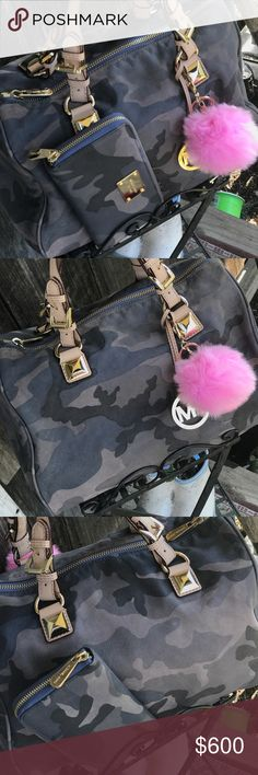 """🔥HOT🔥 """"RARE"""" MK Large Camo Grayson Satchel Set🔥 I must say another 🔥HOT🔥& """"RARE"""" set that I have , I just have way to much & need to let other's enjoy them 😍! Beautiful soft all leather large 💯 % Authentic Michael Kors Satchel & matching brand new , never used wallet ! The bag I used once or twice but as you see in pics , beautiful condition ! These are very hard to come by ! Measure's 14""""(L)X11""""(H)X8""""(D)! I also have the longer strap to this. I do not want to separate so PLEASE don't…"""
