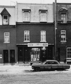 Old Montreal, Montreal Ville, Montreal Canada, Montreal Architecture, Quebec City, Banff, Far Away, Vintage Photography, Old Pictures