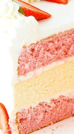 Strawberries and Cream Cheesecake Cake ~ Two layers of strawberry cake and a creamy layer of vanilla cheesecake in the middle. This cake is delicious and hardcore. True cake lovers – please proceed. Homemade Strawberry Cake, Strawberry Cakes, Strawberry Cheesecake Cake, No Bake Desserts, Dessert Recipes, Creamy Layer, Salty Cake, Strawberries And Cream, Homemade Cakes
