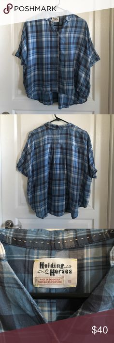 """Anthro Holding Horses Halsey Plaid Plaid Shirt XS Drapey, soft blue plaid button down shirt. Oversized, cropped fit. Lyocell. Length is 26.25"""". Hi-lo hem. Worn, but still in great condition. No rips, tears or stains. No trades or PayPal. Anthropologie Tops Button Down Shirts"""