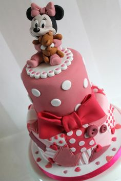 Baby shower cake - pink patchwork by Zoe's Fancy Cakes, who also has a You Tube channel, check out her fb page! they are fab :) Bolo Mickey, Mickey And Minnie Cake, Minnie Mouse Cake, Fondant Cakes, Cupcake Cakes, Zoes Fancy Cakes, Theme Mickey, Disney Cakes, Novelty Cakes