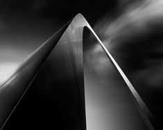 Dennis Ramos - Architecture noir et blanc Black And White Landscape, Black White Art, Street Photography, Landscape Photography, Art Photography, Minimal Photography, Photo D'architecture, Photo Art, Gotham City