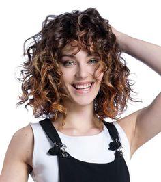 Exemple Coupe Cheveux Frises Mi Long Femme Coiffure En 2019