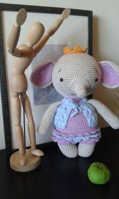 Ava the litle princess- Ava la pequeña princesa  Elefante Amigurumi Amalou