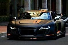 Black R8 Wow oh wow! Isn't she wonderful!
