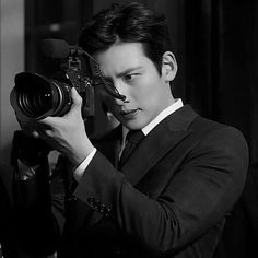 Healer ❤❤ 지 창 욱 Ji Chang Wook ♡♡ that handsome and sexy look . Ji Chang Wook Healer, Ji Chang Wook Smile, Ji Chan Wook, Korean Star, Korean Men, Asian Actors, Korean Actors, Healer Korean, Korean Celebrities