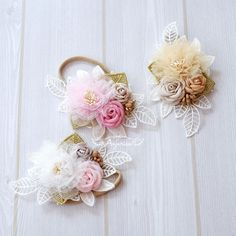 Crafted by Anjurisa, a neat freak who has unusual fondness for fabric flower.
