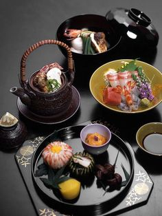 Kaiseki ryori (懐石料理) Traditional Japanese meal ceremonial courses.