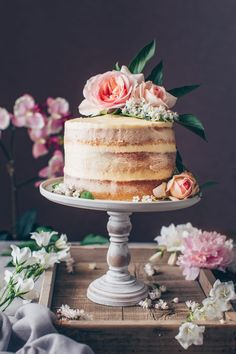 This is the best Vegan Vanilla Cake recipe! It's a fluffy, soft and moist vanilla layer cake with simple buttercream frosting. Easy to make and delicious! How To Make Wedding Cake, Vegan Wedding Cake, Vegan Vanilla Cake, Homemade Buttercream Frosting, Strawberry Cream Cakes, Vegan Cream Cheese, Savoury Cake, Vegan Chocolate, Cupcakes