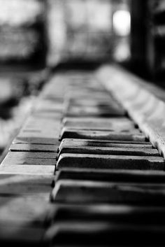 Black and white, piano