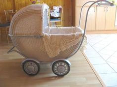 Old Baskets, Dolls Prams, Retro, Bassinet, History, Furniture, Home Decor, Home, Manualidades
