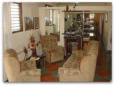 Detalle del salón de la casa Room, Furniture, Home Decor, Yellow Submarine, Havana, Hotels, Apartments, Houses, Bedroom