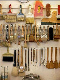 Artist/studio brush storage