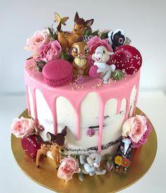 X – Food – – Gateau au chocolat - Kuchen Cupcakes, Cake Cookies, Cupcake Cakes, Pretty Cakes, Beautiful Cakes, Amazing Cakes, Kreative Desserts, 1st Birthday Party For Girls, Birthday Cake Disney
