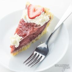 Make this easy gluten-free strawberry pie recipe with fresh or frozen strawberries. Just 5 ingredients, plus coconut flour crust! Sugar-free strawberry pie is low carb, keto, and has a paleo option. Keto Desserts, Keto Dessert Easy, Sugar Free Strawberry Pie Recipe, Strawberry Dessert Recipes, Strawberry Tart, Dessert Ricotta, Dessert Mousse, Low Carb Pumpkin Pie, Pumpkin Pie Recipes