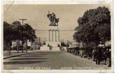 1934 - Inauguração da estátua em homenagem a Ramos de Azevedo na avenida Tiradentes. Anos depois a estátua seria transferida para a Cidade Universitária, próxima a Politécnica e sede do IPT.