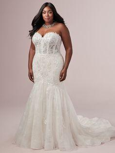 Rebecca Ingram Jennifer Ivory size 22 Plus Size Wedding Gowns, Modest Wedding Dresses, Boho Wedding Dress, Designer Wedding Dresses, Bridal Dresses, Mermaid Wedding, Lace Mermaid, Bridal Elegance, Curvy Bride