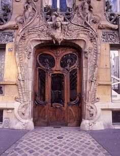 I know right where this door is because I photographed it (not this one) last spring in Paris. Amazing!