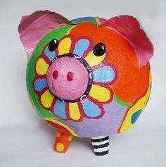 spaarpot papiermachee 3d Projects, Projects For Kids, Recycling For Kids, Year Of The Pig, Art Programs, Summer Art, Art School, Piggy Bank, Art Lessons