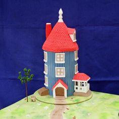 Moomin House, House Cake, Madness, Gingerbread, Wedding Cakes, Food, Ginger Beard, Cake Wedding, Hoods