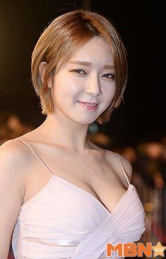 EX AOA Member Choa Drops Jaws In This Dress! | Daily K Pop News