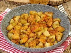 Tavada Baharatlı Patates Kızartması Tarifi Okra Recipes, Cooking Recipes, Fries Recipe, Baking Flour, Fried Potatoes, Fish Dishes, Food Pictures, Sweet Potato, Seafood