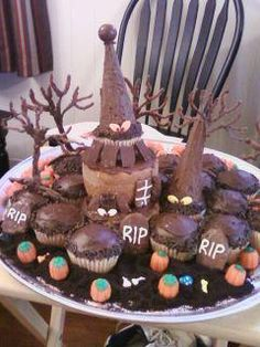 Halloween Cupcakes Halloween Cupcakes, Cupcake Cakes, Birthday Cake, Desserts, Food, Birthday Cakes, Postres, Deserts, Cup Cakes