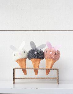 Pyssla kaninglassar av garnbollar Easter, Creative, Glass, Diy, Bunnies, Ideas, Drinkware, Bricolage, Easter Activities