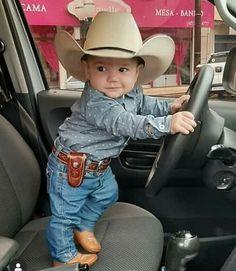 Mira Chava así naciste y así serás siempre Mira Chava así naciste y así serás siempre Cute Baby Boy Outfits, Cute Outfits For Kids, Cute Kids, Cute Babies, Babies Stuff, Toddler Girl Outfits, Baby Boy Cowboy, Little Cowboy, Camo Baby