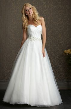 White Ball Gown Court Train Sweetheart Wedding Gowns