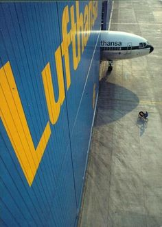 Lufthansa Hangar + DC 10