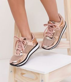 Small Tear On The Side.Runs A Little Big.Good Used Condition, Next Day Shipping.All Offers Will Be Considered, Bundle And Save! Moda Sneakers, Metallic Sneakers, Sneakers Mode, Cute Sneakers, Shoes Sneakers, Pretty Shoes, Beautiful Shoes, Cute Shoes, Me Too Shoes