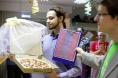 Welcome To Chitoo's Diary.: Unbelievable! 22 Year Old Man Marries A Pizza, His...