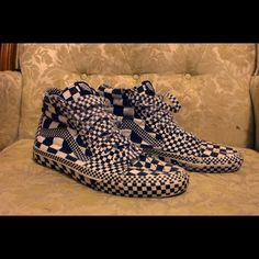 VANS Reissue CHECKED SK8 hi Checkered canvas skate shoe (good condition).                                                  **signed by the drummer of Little Dragon Vans Shoes