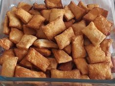 Salgadinhos fritos super crocantes, com 3 ingredientes, impossível comer apenas um. - YouTube Pastel, Dessert Recipes, Desserts, Baked Goods, Sweet Potato, French Toast, Chips, Pizza, Potatoes
