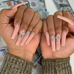 Pink Ombre Nails, Bling Acrylic Nails, Bling Nails, Best Acrylic Nails, Acrylic Nail Designs, Pastel Nails, Claw Nails, Aycrlic Nails, Hair And Nails