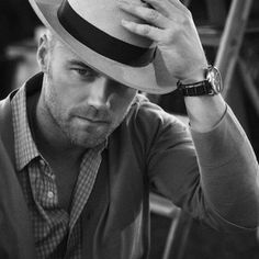 Ronan Keating *** he's a bit cheesy and tends to wear too many man rings, but still....