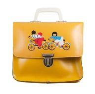 Berg je beker, broodtrommel en schoolspulletjes veilig op in deze vintage leren schooltas.