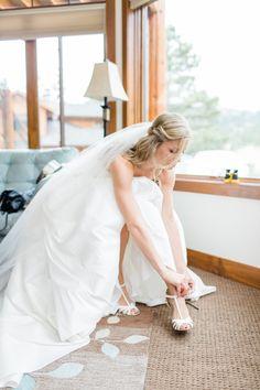 #gettingreadyphotos #bridegettingready #weddingphotos