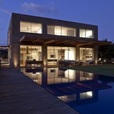 Modern SKS Residence in Israel Showcasing the Owner's Passion for Diverse Textures