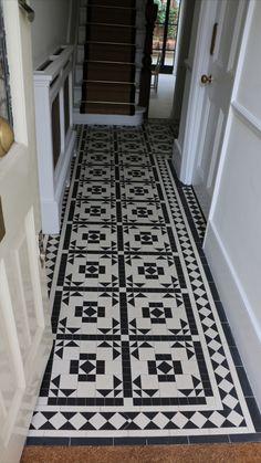 Victorian Hallway Tiles, Tiled Hallway, Hall Flooring, Unique Tile, Geometric Tiles, Style Tile, Bathroom Interior Design, Tile Design, Tile Floor