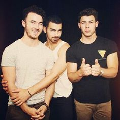 Surely I'm not the only one who recognizes how amazing these hotties are.