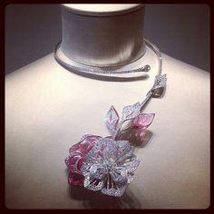 @boucheron #hoteldelalumiere #highjewellery #oneofakindpieces #necklace #transformer #brooch #uniquepiece #artoflightjewellery