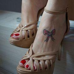 ❤️ #feet #foot #footluv #footporn #feetmodel #footmodel #footfetish #footfetishnation #pés #pies #podo #pieds #pezinhos #podolatria #pésfemininos #sexy #sola #solas #soles #sexyfeet #nails