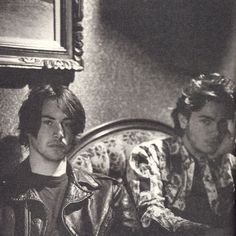 River and Keanu, if you haven't checked out the website myriverphoenixcollection.com, please do so! It's been a favourite of mine for ten years whenever I need a River day!